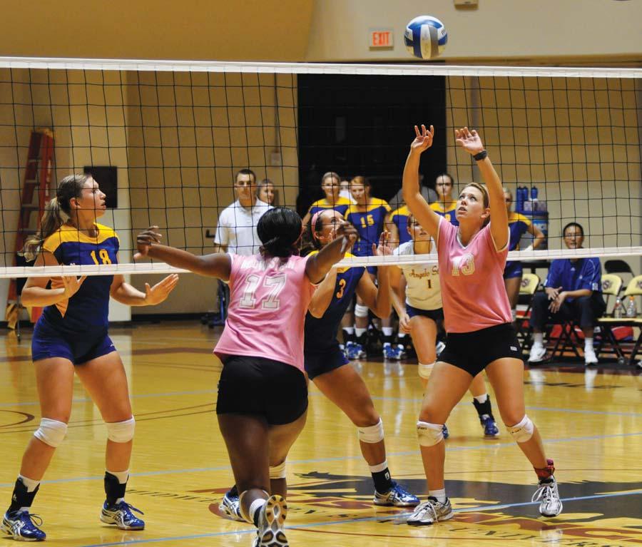 Volleyball beats ACU but falls to ASU