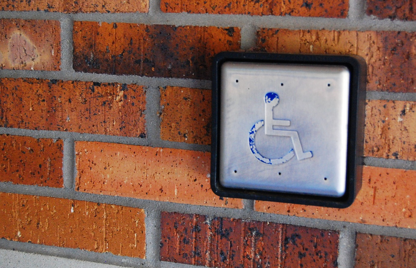 Disability access lacking on campus