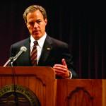 Speaker Straus debates higher ed, Romney