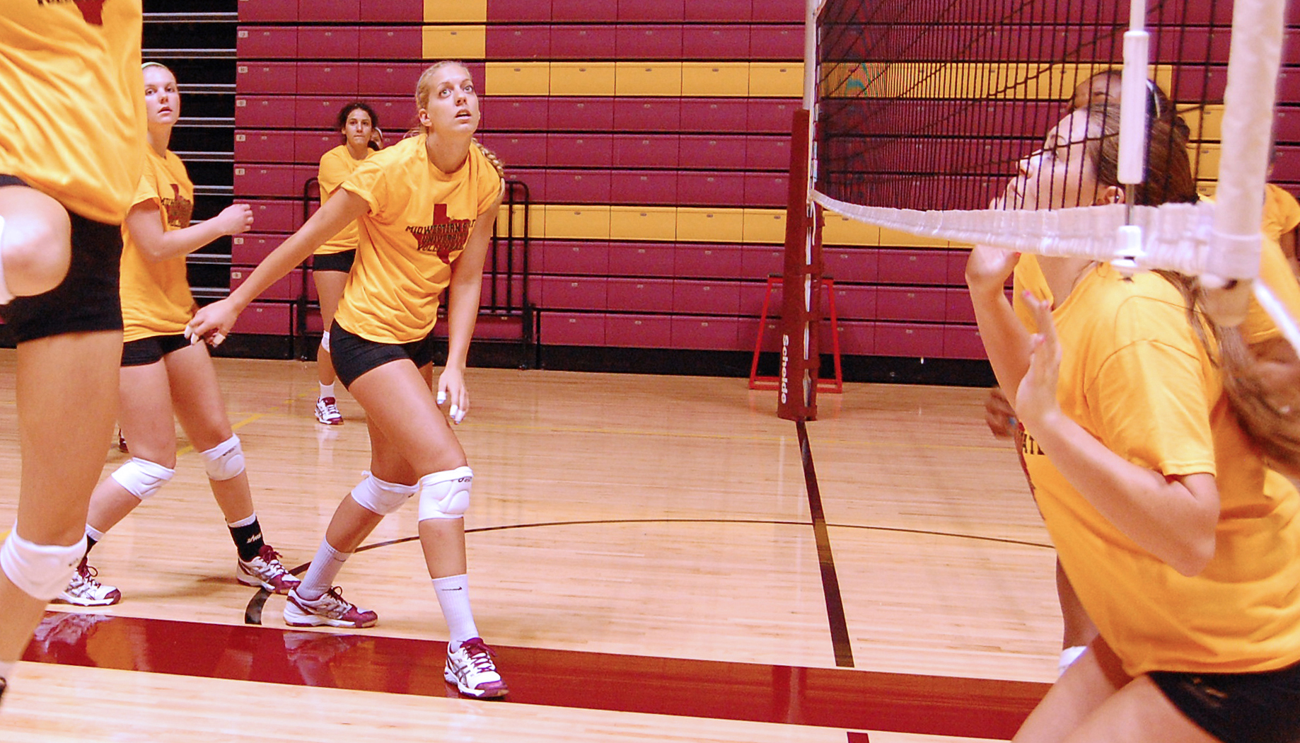 Chemistry crucial to volleyball team's improvement