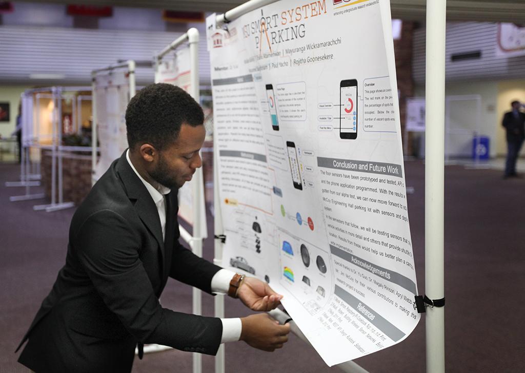 Undergrad researchers develop app to locate open parking spots