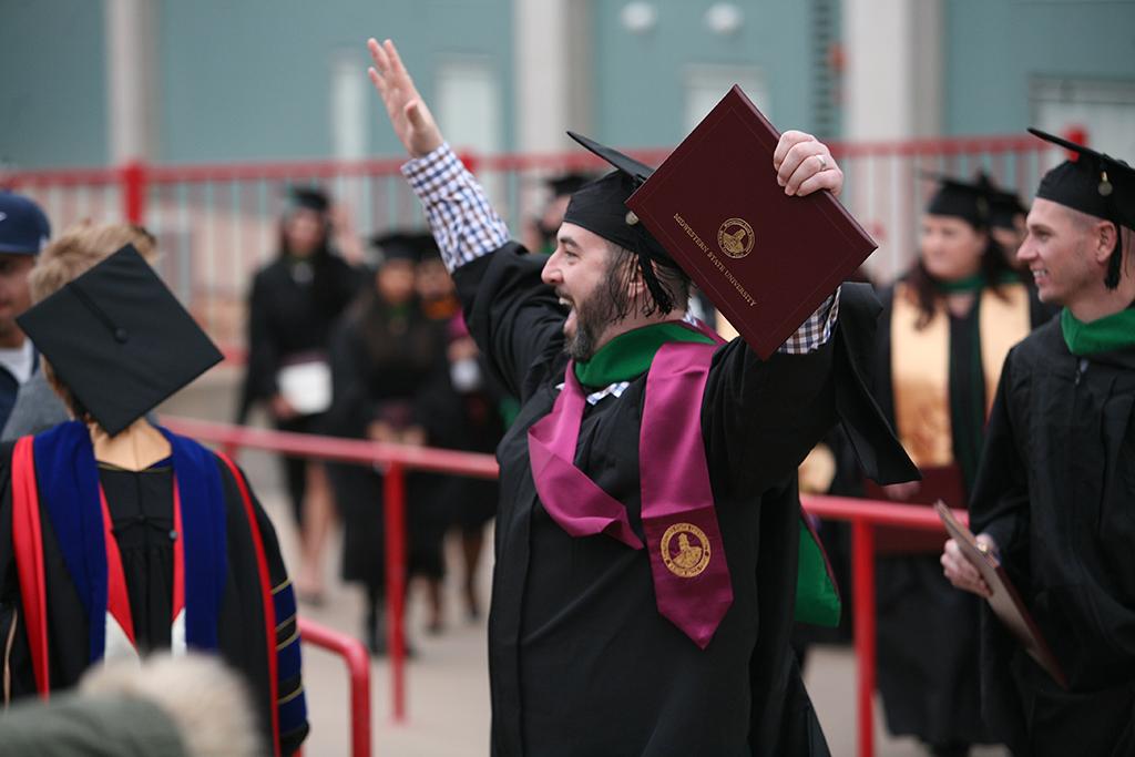 707 degrees awarded at fall graduation