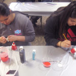 30 students explore creative side in holiday art class