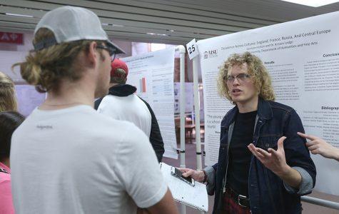 Hundreds participate in 10th undergraduate research forum