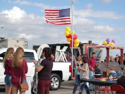 Everyone gets food and hangsout at the homecoming tailgate on Saturday, Oct. 21, 2017. Photo by Shea James