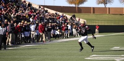 Dorian Johnson, tight end, senior, running toward the endzone after a catch. November 18th, 2017. Photo by Elias Maki.