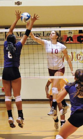 Volleyball loses in game 5