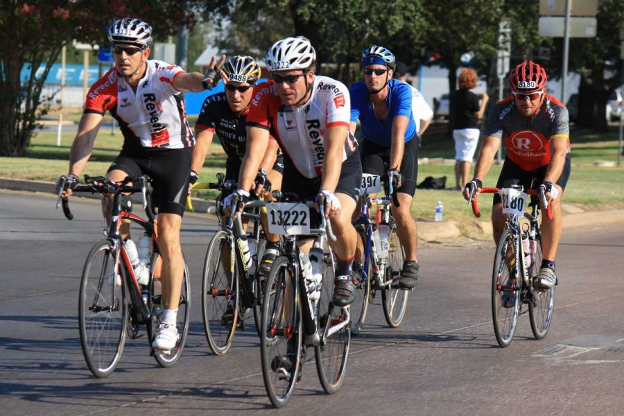 Cyclists+competing+at+the+Hotter%27n+Hell+Hundred+on+Saturday+morning.+%28Photo+by+Damian+Atamenwan%29
