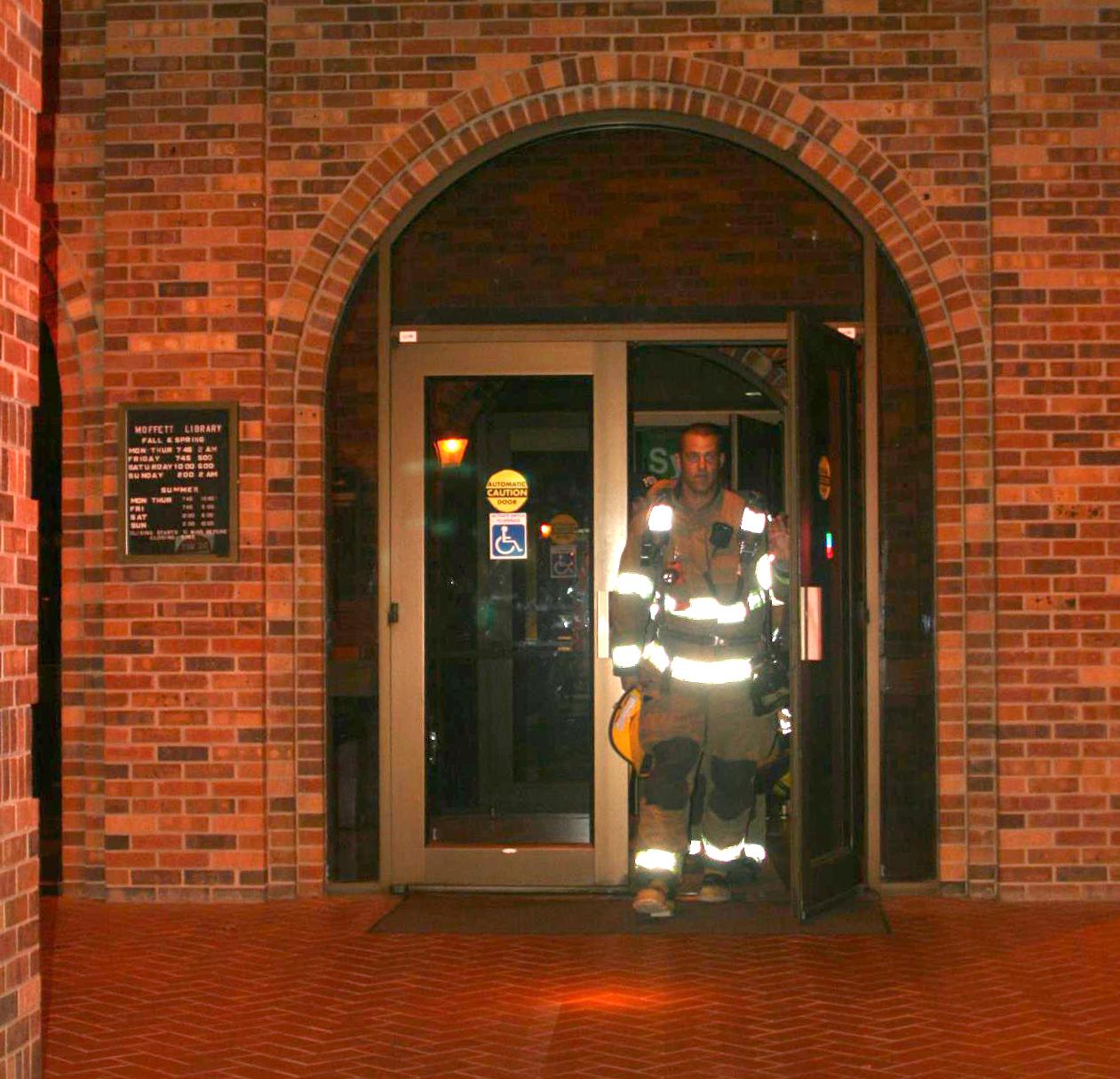 Smoke in Moffett library raises commotion