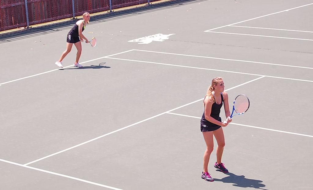 Women's tennis stays hot