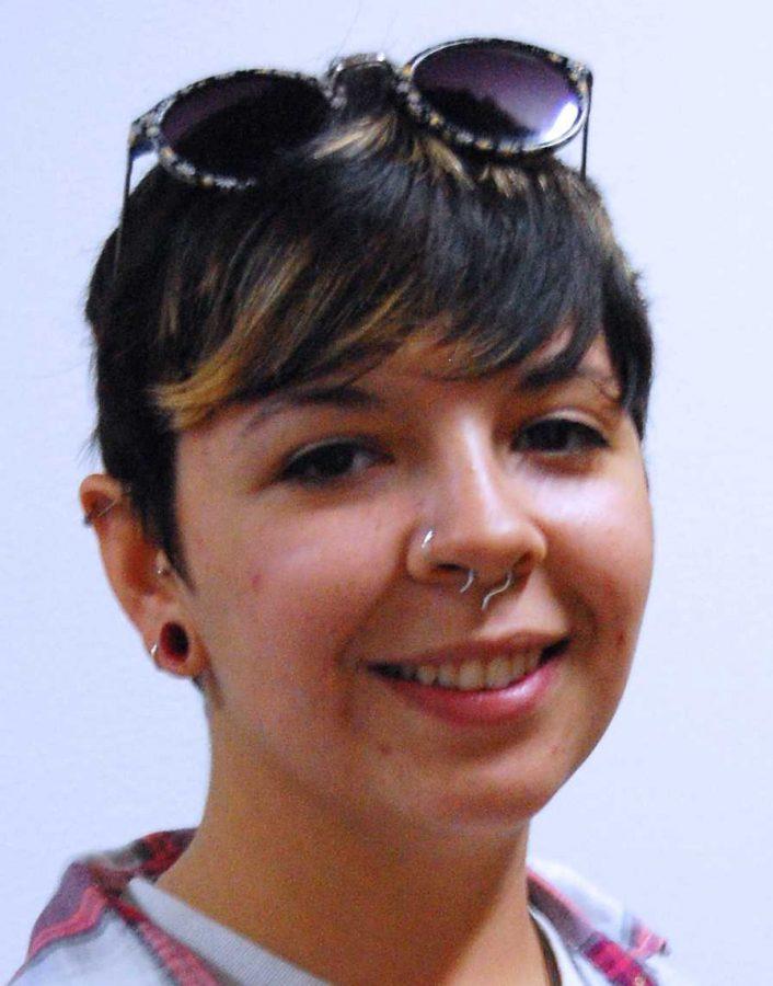 Nicole Kutzer, senior in art