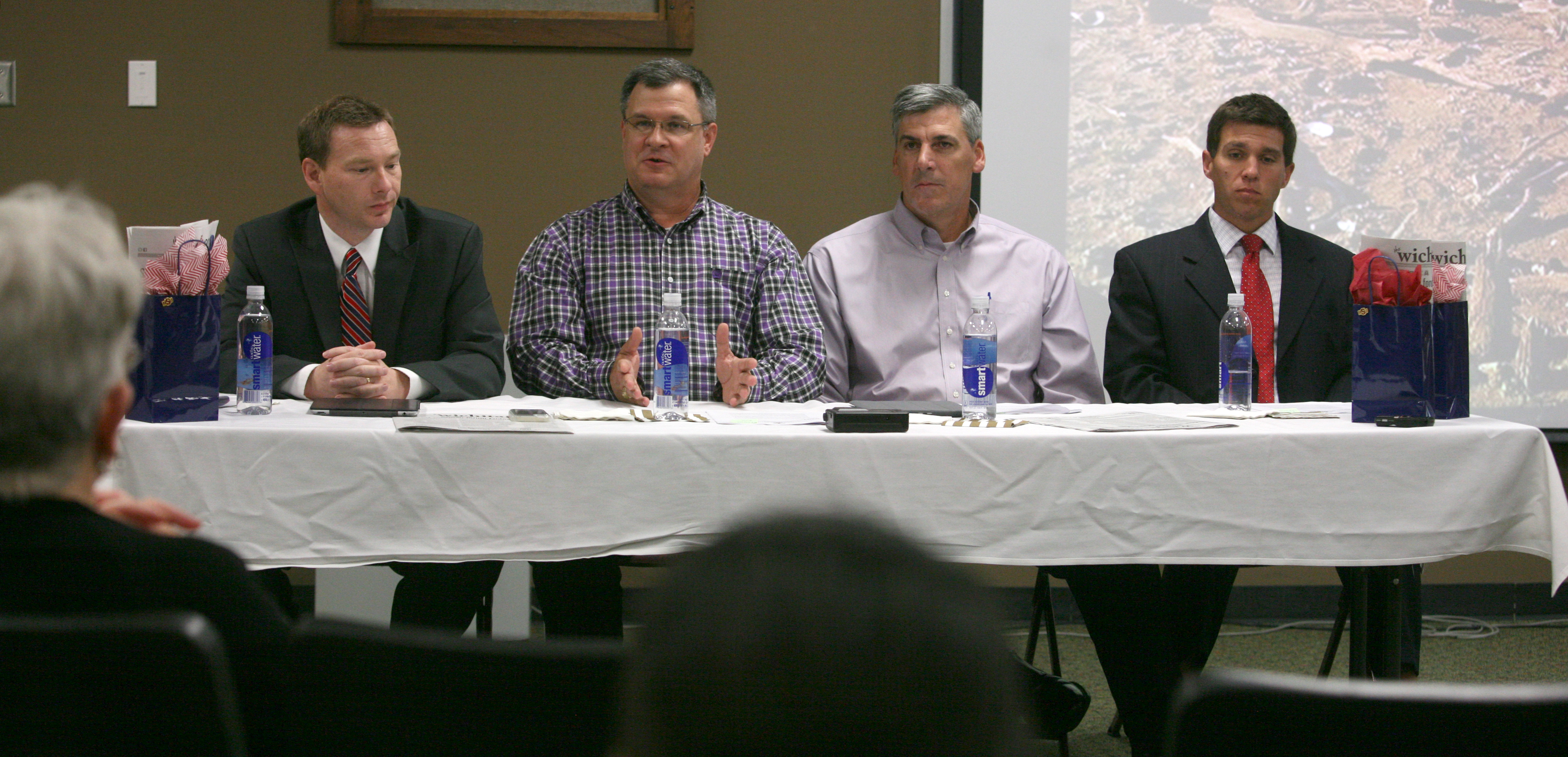 Panel discusses drought disaster with students