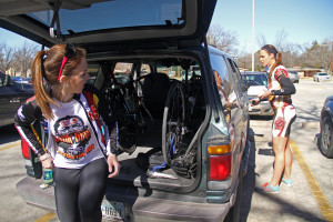 Ashley Weaver, junior in exercise physiology, and Nicole Corizer, freshman in nursing, get ready to drive to Mt. Scott to cycle Tuesday. Photo by Lauren Roberts.