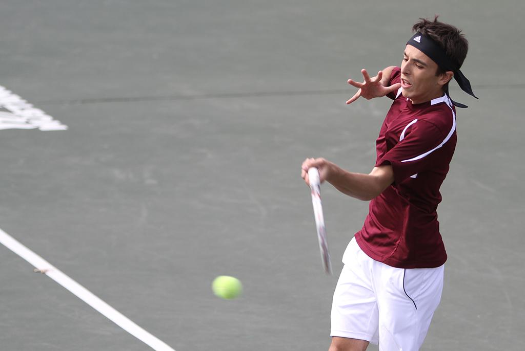 Tennis teams dominate the weekend