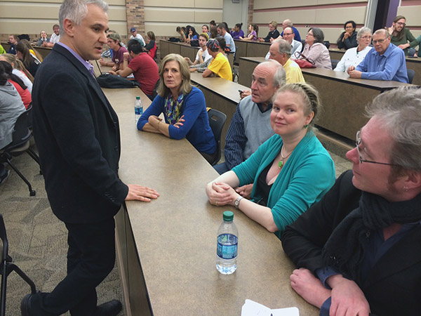 Philosophy Club and Free Thought Alliance guest lecturer Peter Boghossian speaks to audience members before his lecture, May 1. Student organizations often invite guest speakers for the campus community to see.