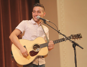 On Thursday night, American Idol alum, Jason Castro, performed in Akin auditorium. Photo By Yasmin Persaud