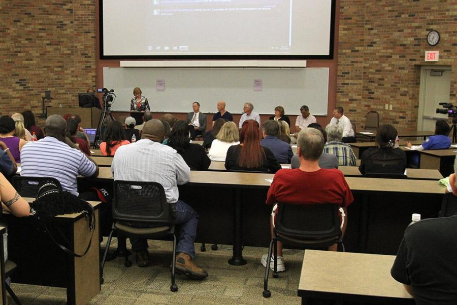 Panelists are introduced at the Ebola Forum in Dillard 101 Tuesday. Photo by Lauren Roberts