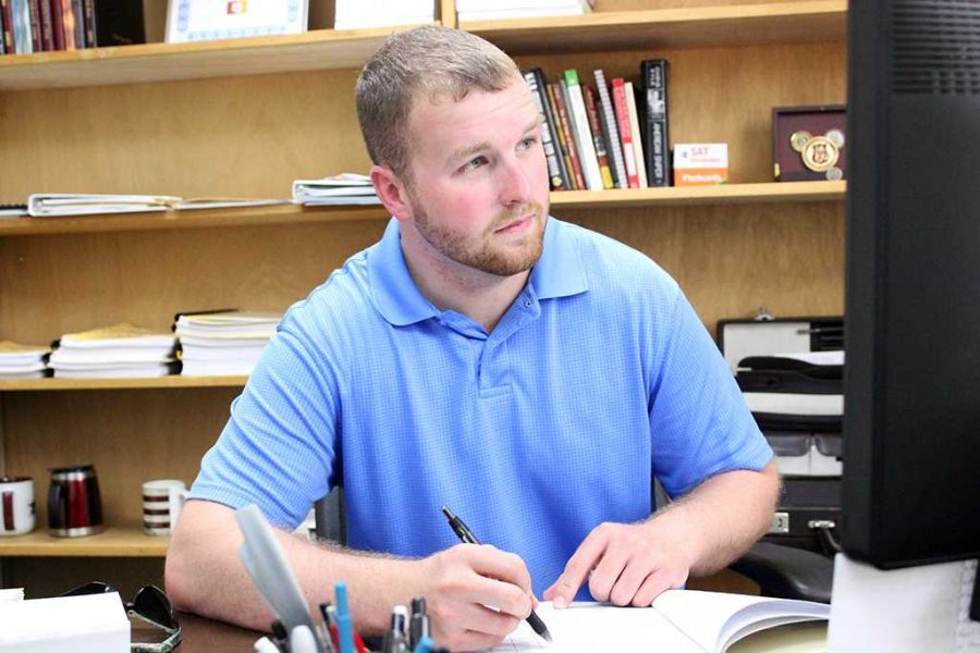 Jesse Brown, Student Government Associate president, Criminial Justice Senior, works at his desk, August 24, 2015. Photo taken by Francisco Martinez
