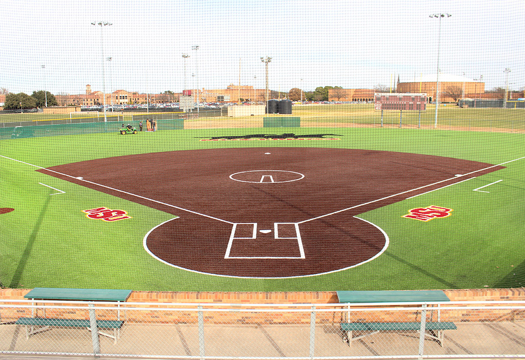 The new softball field turf which was put in during the first couple of weeks of the Spring 2016 semester. Photo by Francisco Martinez