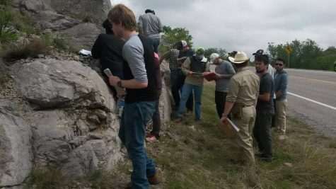 Geology students explore Wichita Mountains