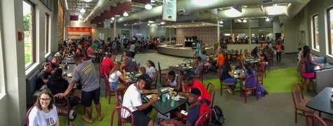 Students eat their lunch in the renovated Mesquite Dining Hall Aug. 23. Photo by Izziel Latour.
