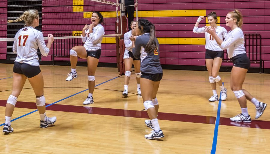 MSU volleyball playing against Dallas Baptists. Photo by Izziel Latour