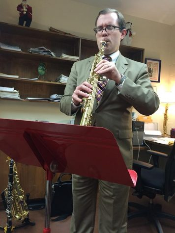 Andrew Allen rehearses on the soprano saxophone for his recital on Oct. 20. Photo by Emily Simmons