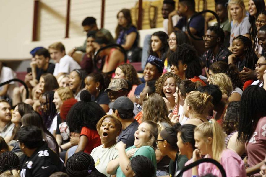 Students reactions to comedian Orlando Baxter in the D.L. Ligon Coliseum on Aug. 22. Photo by Justin Marquart.