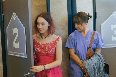 Laurie Metcalf and Saoirse Ronan in Lady Bird (2017)