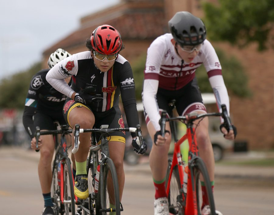 Alan Barrows, mis freshman, drafts behind opponents during the 2018 Vuelta del Viento at Midwestern State University on Saturday, April 21, 2018. Photo by Francisco Martinez