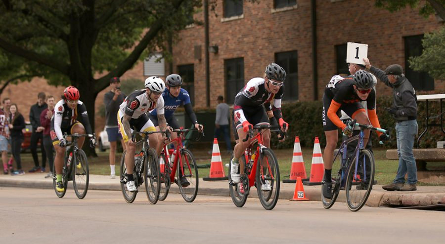 Men's A category pass the finish line with one lap remaining during the 2018 Vuelta del Viento at Midwestern State University on Saturday, April 21, 2018. Photo by Francisco Martinez