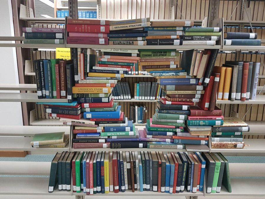Moffett Library prepares for finals week without the bed bugs