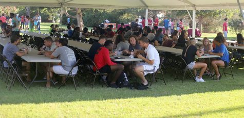 Third annual president's picnic brings in hundreds of students