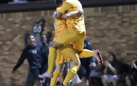Men's soccer beats St. Mary's 3-1