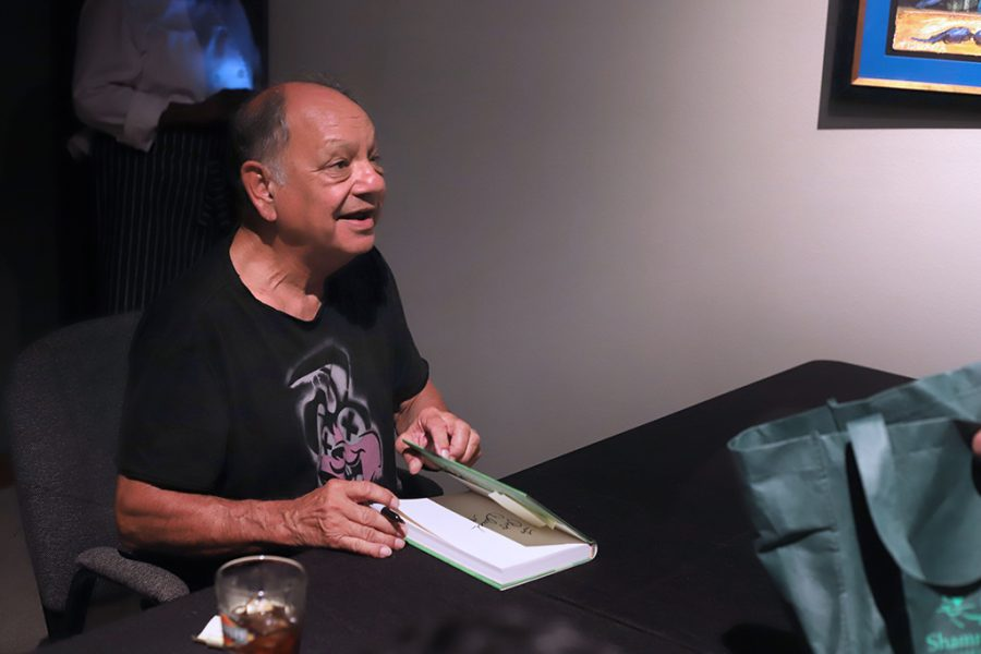 Cheech+signs+books+for+fans+at+the+museum+of+art+in+wichita+falls+on+Sept.+19