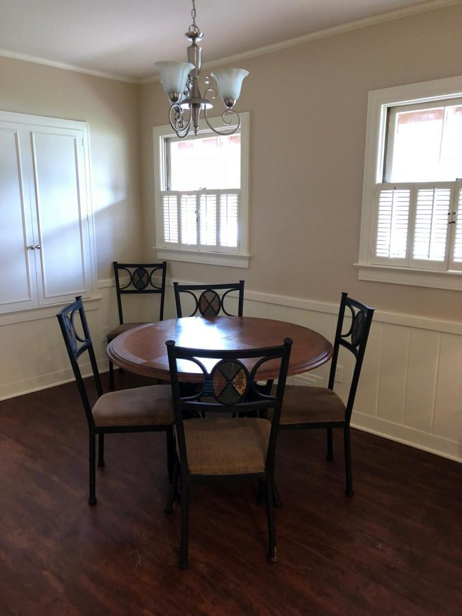 Dining+room+table