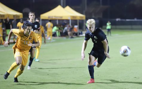Men's soccer begin conference play with Mustangs 3-1 victory