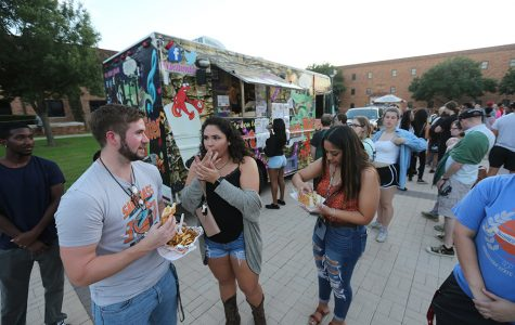 About 120 students attend first Food Truck Friday