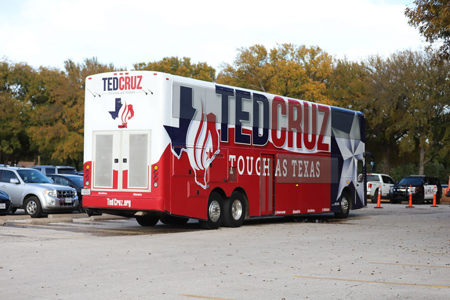 United+States+Senator+of+Texas+Ted+Cruz+tour+bus.+Photo+by+Nathan+Martinez