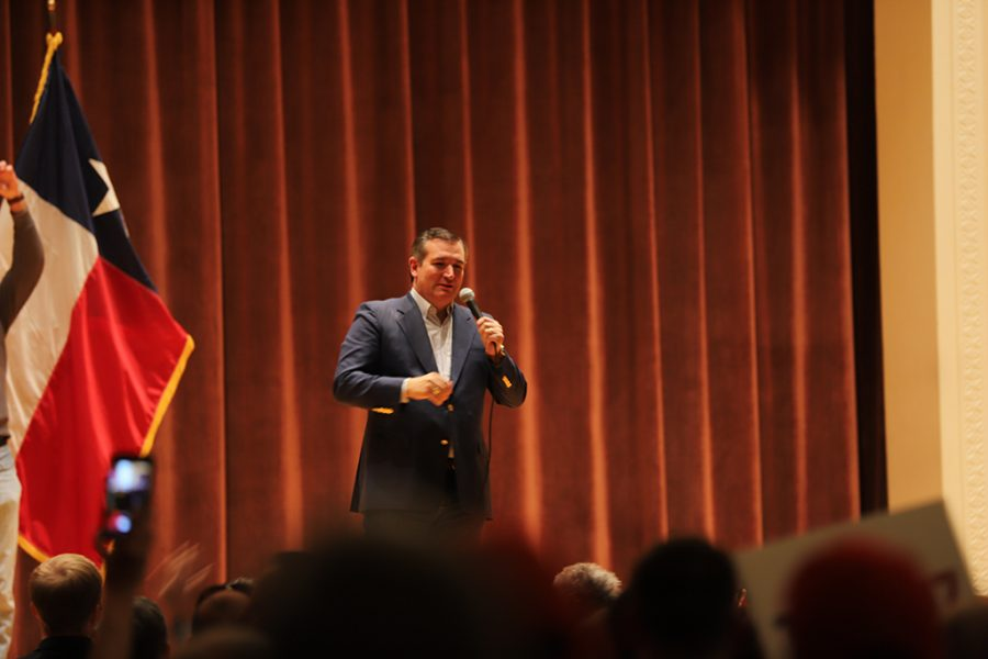 United States Senator of Texas Ted Cruz speaks at the Akin Auditorium. Photo by Nathan Martinez