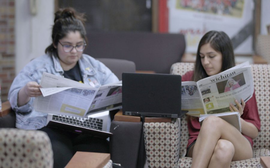 Sociology junior Lisa Noriega and finance freshman Victoria Rosas reading in the student center before finishing homework. Feb. 25. Photo by Alana Earle