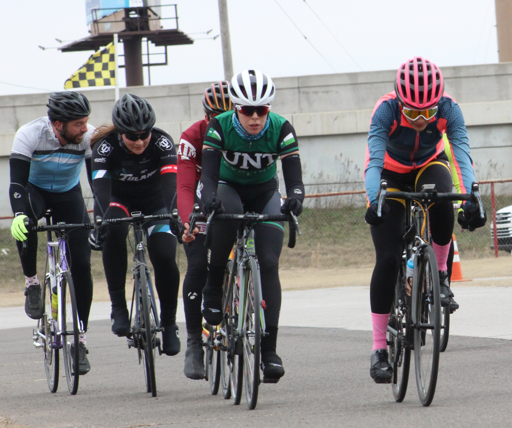 Brissia+Montalvo+%28right%29%2C+exercise+physiology+graduate+sets+the+pace+during+women%27s+%27A%27+criterium.+Photo+by+Sharome+Burton.+March+10.