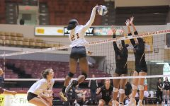 Volleyball Falls to SNU in Four Sets