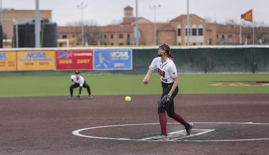 Jacey Henry pitches against UT Tyler