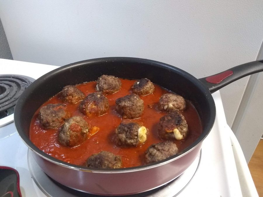 A Broke Student Recipe: Spicy cheese-stuffed meatballs