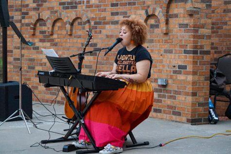 Roberts sing