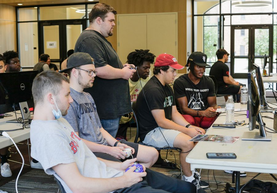 Competitors practice before the Smashpede tournament begins