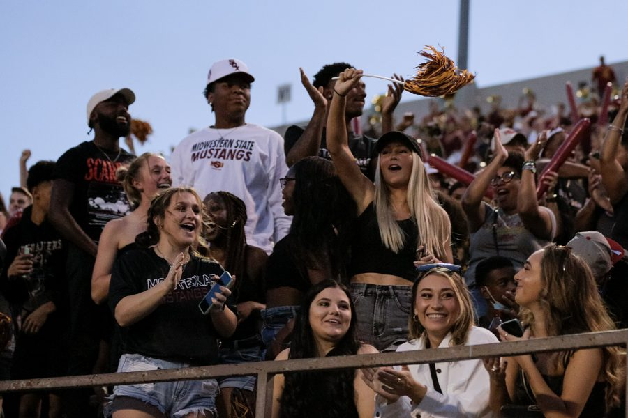 The crowd cheers as the Stangs make a touchdown bringing them to 17 points